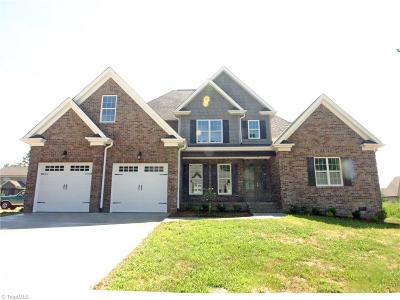 Winston Salem Single Family Home For Sale: 350 Wentworth Drive