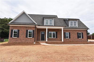 Mocksville Single Family Home For Sale: 160 Marbrook Drive