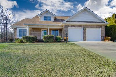 Single Family Home For Sale: 1540 Thornhill Drive