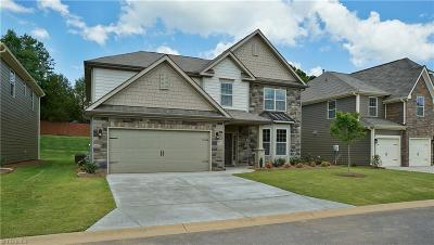 Kernersville Single Family Home For Sale: 1819 Ridge Creek Drive