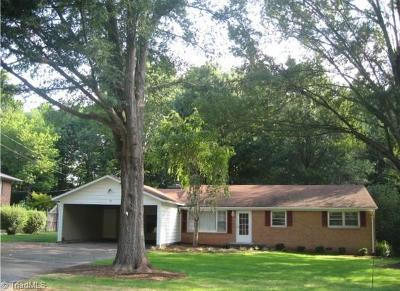 Rockingham County Single Family Home For Sale: 1326 Woodland Drive