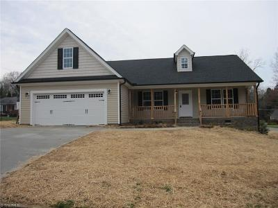 Lexington Single Family Home For Sale: 600 Kildee Drive