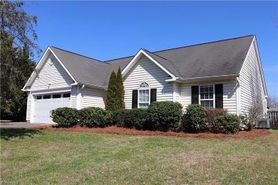 Mocksville Single Family Home For Sale: 129 Ash Drive