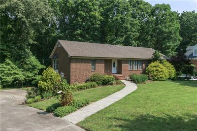 Guilford County Single Family Home For Sale: 4002 Waldenbrook Road