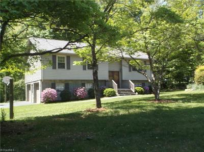 Pfafftown Single Family Home For Sale: 5917 Bethania Tobaccoville Road