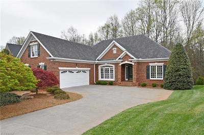 Winston Salem Single Family Home For Sale: 450 Burkes Crossing Drive