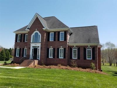 Winston Salem Single Family Home For Sale: 4700 Century Oaks Lane