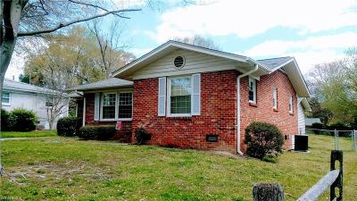 Greensboro Single Family Home For Sale: 2307 Four Seasons Boulevard