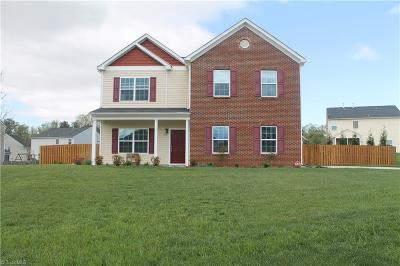 Guilford County Single Family Home For Sale: 5107 Leary Court
