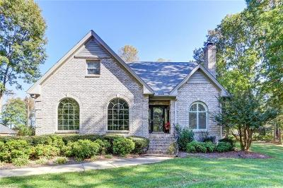 Single Family Home Sold: 221 E Plantation Circle