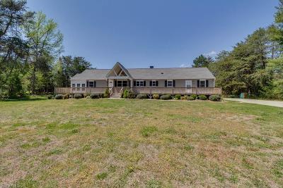 Winston Salem Single Family Home For Sale: 843 Mount Vernon Church Road