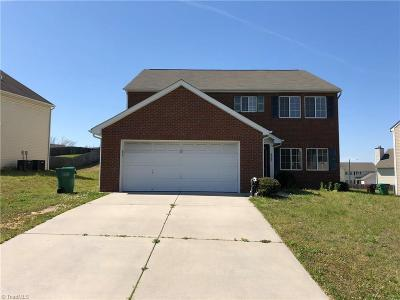 Guilford County Single Family Home For Sale: 4027 Banbridge Drive