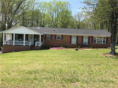 Winston Salem, Clemmons, Lewisville Single Family Home For Sale: 3750 Barnwell Drive
