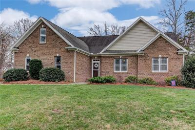 Winston Salem Single Family Home For Sale: 5030 Eastwin Drive