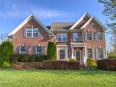 Oak Ridge Single Family Home For Sale: 8004 Ives Drive
