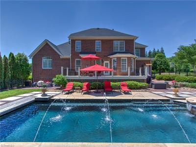Oak Ridge Single Family Home For Sale: 8404 Oakchester Court