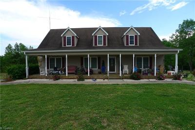 Mocksville Single Family Home For Sale: 825 Greenhill Road
