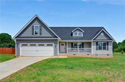 Browns Summit Single Family Home For Sale: 7700 Summit Landing Drive