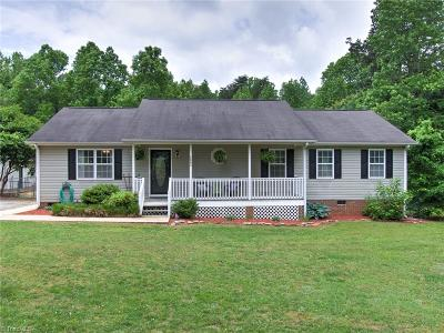 Single Family Home For Sale: 4003 Pond Valley Court