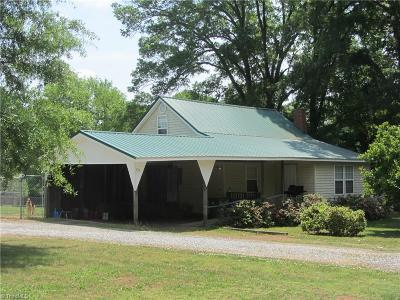 Rockingham County Single Family Home For Sale: 137 Poole Road