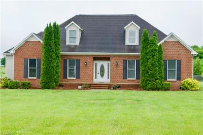 Alamance County Single Family Home For Sale: 2347 Iris Drive