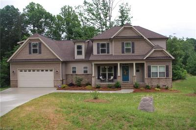 Summerfield Single Family Home For Sale: 5605 Crooked Oak Drive