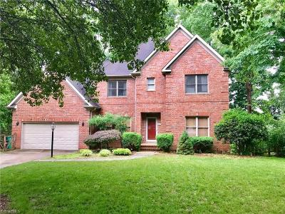 High Point Single Family Home For Sale: 2416 Glen Cove Way
