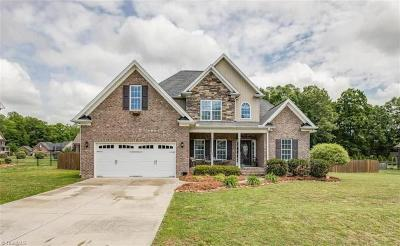 Clemmons Single Family Home For Sale: 274 Windsong Drive