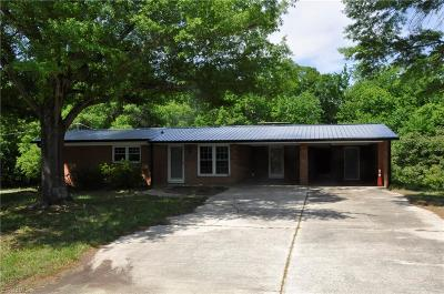 Greensboro Single Family Home For Sale: 5910 Newman Davis Road