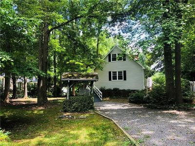 Greensboro Single Family Home For Sale: 504 Montcastle Drive