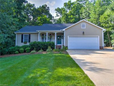 Guilford County Single Family Home For Sale: 3406 Northbrook Court