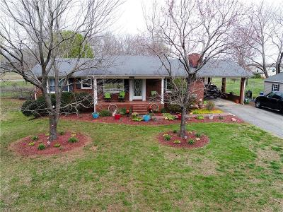 Mocksville Single Family Home For Sale: 2905 Us Highway 601 S
