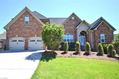 Lewisville Single Family Home For Sale: 5227 Gnarl Wood Road