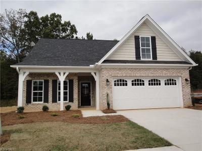 Mocksville Single Family Home For Sale: 184 N Wentworth Drive