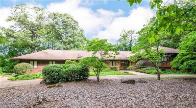 Stoneville Single Family Home For Sale: 137 Pine Hill Road