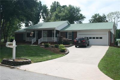 Davidson County Single Family Home For Sale: 713 Scottwood Drive