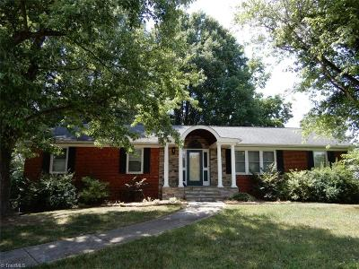 Clemmons Single Family Home For Sale: 136 Longmeadow Drive
