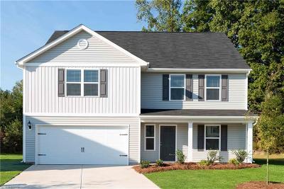Winston Salem Single Family Home For Sale: 4222 Kendall Farms Way