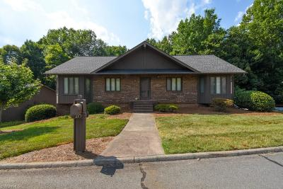 Winston Salem Single Family Home For Sale: 215 Ridgehaven Drive