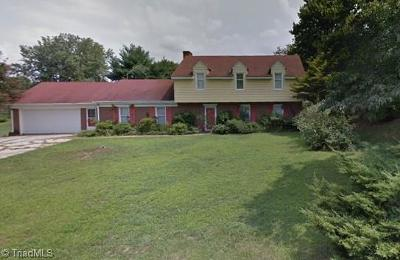 Kernersville Single Family Home For Sale: 611 Meadowland Road