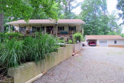 East Bend Single Family Home For Sale: 5841 Aquilla Creek Road