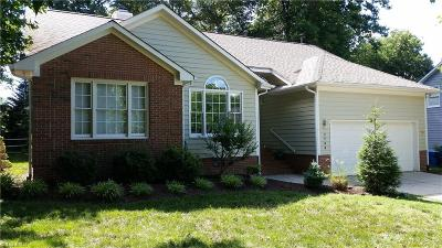Guilford County Single Family Home For Sale: 2706 Stonewick Court