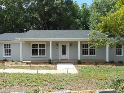 Greensboro Single Family Home For Sale: 5105 Lakeshore Court