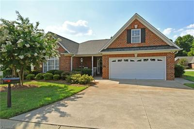 Clemmons Single Family Home For Sale: 472 Meadows Edge Court