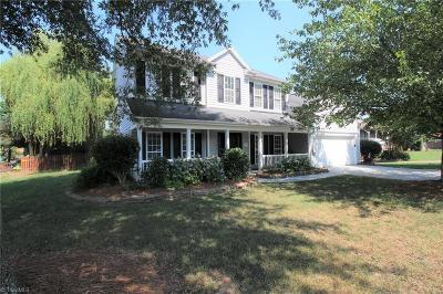 Kernersville Single Family Home For Sale: 1041 Laplata Drive
