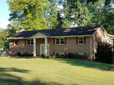 Clemmons Single Family Home For Sale: 100 Roquemore Road