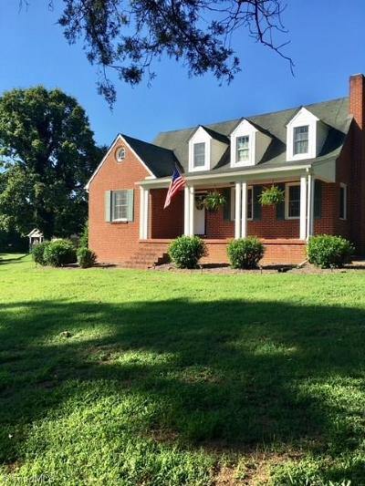 Mocksville Single Family Home For Sale: 701 Garner Street