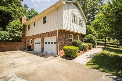 Jamestown Single Family Home For Sale: 202 Cloverbrook Drive
