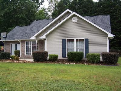 Greensboro Single Family Home For Sale: 6789 Ironwood Circle