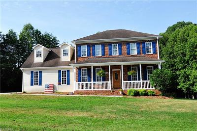 Kernersville Single Family Home For Sale: 5068 Sheffield Place Drive